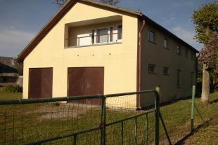 Māja 178 kv/m platībā ar zemi 5,8 ha Grobiņas novadā Dubeņos, 16 km no Liepājas.