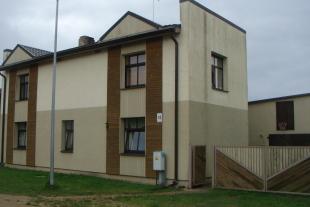 Divstāvu dzīvojama māja  200 kv/m platībā ar zemi 567 kv/m platībā, Viļņu ielā 18