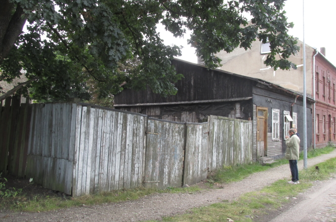 A house with a landa an area of 699 sq/m, street Laivu 7, Liepāja