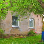 A boulder house with an area of 100 sq/m with  land of 5.6 hectare and a construction of 117 sq/m in the county of Medzes, km 22 from Liepāja, to Ventspils