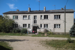 Two 2-roomed flats 41,3 sq/m and 41,3 sq/m in centre of Ziemupe ,30 km from the Liepaja